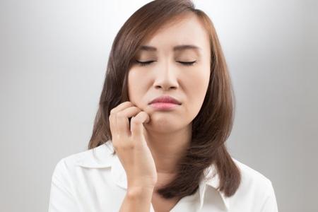 脸过敏发红痒怎么办,这五件事女人要注意预防