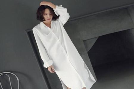 白色长款衬衫如何搭外套,这三款搭配衬衫霸气女人味十足