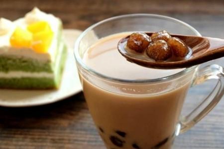 珍珠奶茶怎么做才好喝?10g红茶50g红糖就搞定!