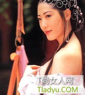 """杨思敏被称为""""亚洲第一美胸"""""""