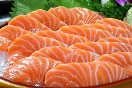 三文鱼的营养价值,三文鱼应无罪但暂时不要生吃