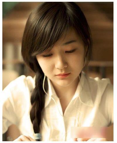 学生扎头发简单又漂亮 可以自己扎的简单发型