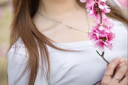女人产后如何让胸部挺拔有弹性?记住这两分产后丰胸方法