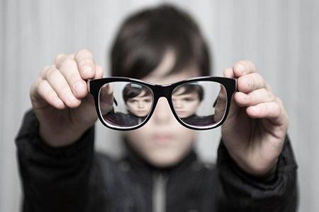 孩子为什么会很容易近视?孩子近视的4个原因