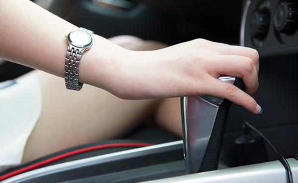 如何处理交通违章 拖延时间还会产生滞纳金