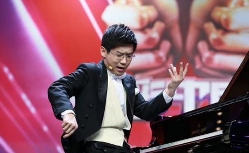 蔡明34岁儿子曝光,原来是老熟人,网友:保密工作做的太好了