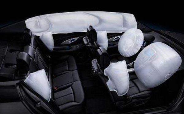 汽车安全气囊的工作原理是什么 原来产生的是这种化学反应