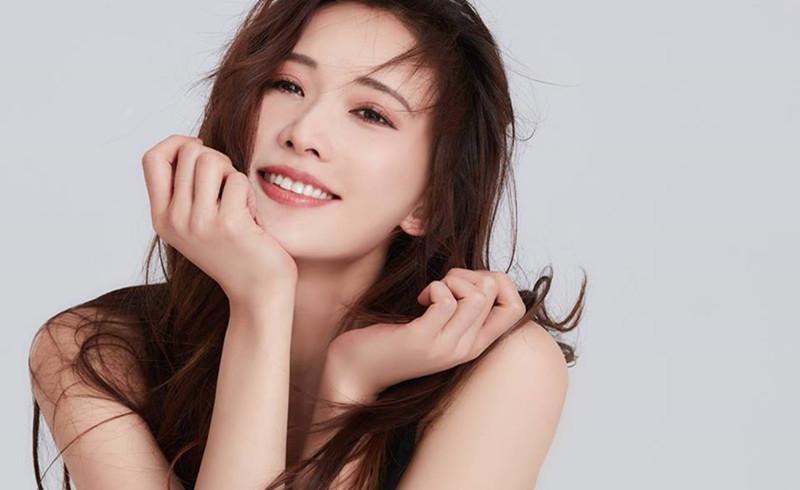 林志玲晒近照,婚后一年变化极大,网友直呼简直判若两人
