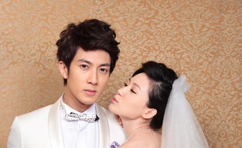 《婚前21天》40岁吴尊与老婆拍婚纱照,16年前场景重现,这次不再是一个人了