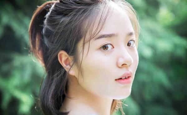日本美人全捰下身 美女直播脱光泡澡画面令人意