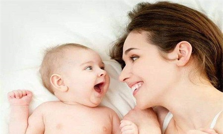断奶期涨奶的正确处理,宝妈这样做可以缓解涨奶的疼痛