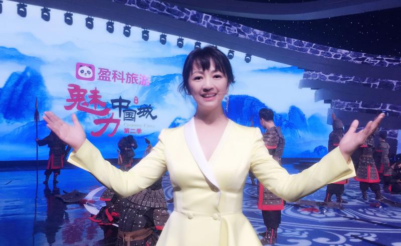 演技与美貌兼具的罗海琼,另一身份是是华谊老板娘