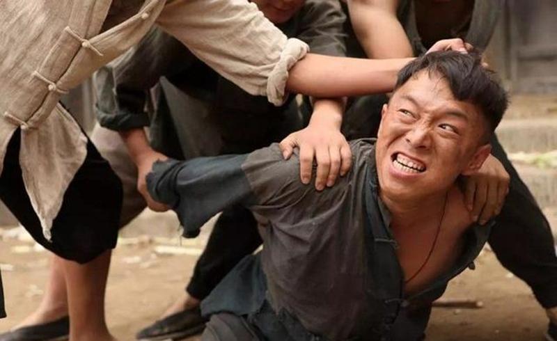 在民兵葛二蛋中,黄渤的表演咋样?黄渤的电视剧哪个演的最好