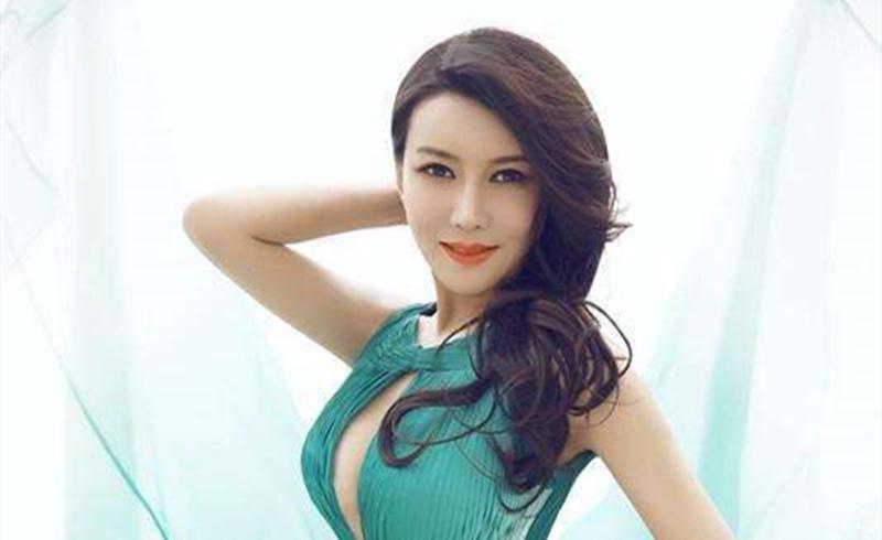 """龚玥菲被称为""""最美潘金莲"""",综艺上演大尺度,日本观众幸福了"""