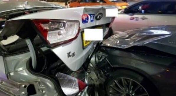 泰妍车祸3车相撞死了吗