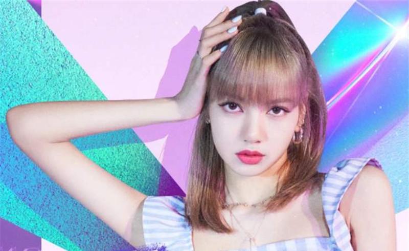 《青春有你2》导演小姐姐意外入镜颜值不输选手,网友直言:想送她出道