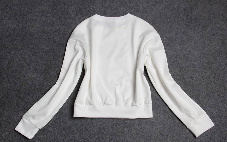 纯洁的象征 白色卫衣怎么搭配