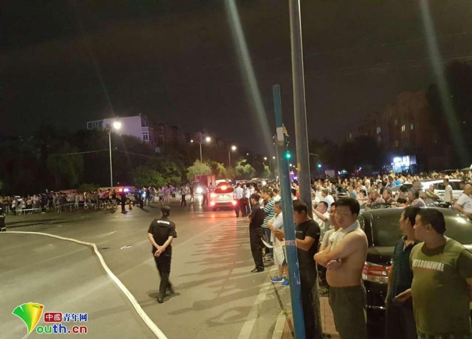 北京回龙观大火:火势冲天已被控制 现场曝光(图