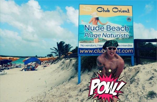 吴尊到全裸海滩度假狠坑儿子 自己玩大尺度马赛
