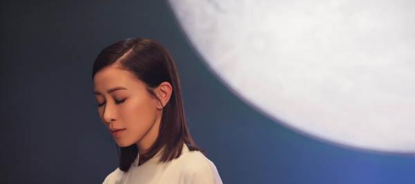 回顾佘诗曼成名之路 TVB首位双料视后