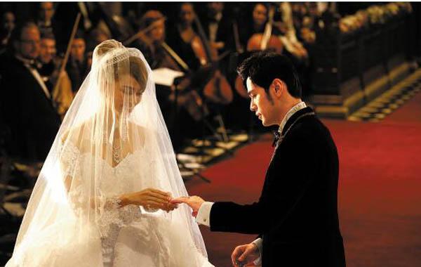 昆凌和周杰伦什么时候结婚的 两度举办婚礼