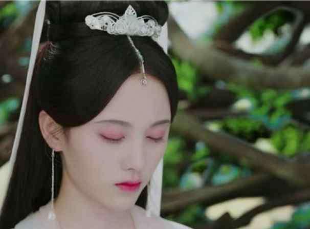 新白娘子化妆 新白娘子传奇:小青黑化了,当看到她的黑化妆,简直比女主还美