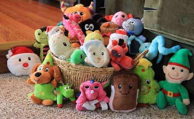 狗玩具 狗狗玩具一大堆,其实主人不用买太多,有这4种玩具就够了