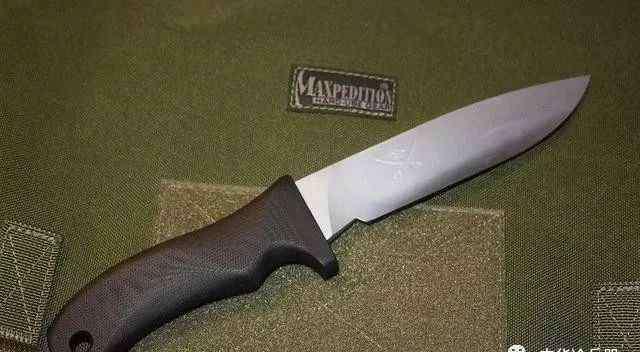 疯狗刀 美国海豹部队使用的战刀之王——疯狗刀价格为何这么高?