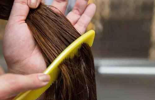 头发打结 头发爱打结是为什么?怎么破?千万别硬扯!