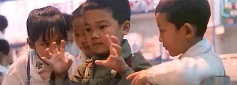卖大饼的姑娘 电影霹雳贝贝是哪年拍的