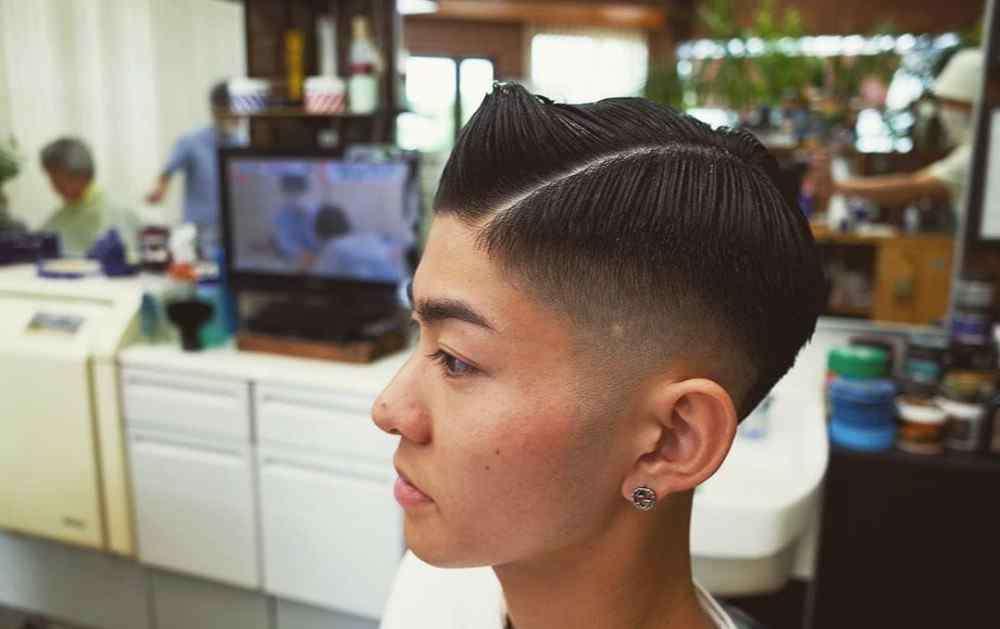 小男生发型 男生发型怎么剪更帅气?选对一个时尚发型,散发出男士强大的气场