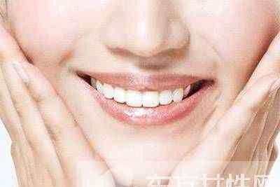 10招快速美白牙齿的方法 多吃含高维C水果也可美白