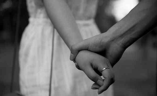 占有欲什么意思 男人占有欲强说明什么 男人占有欲越强说明他越爱你?