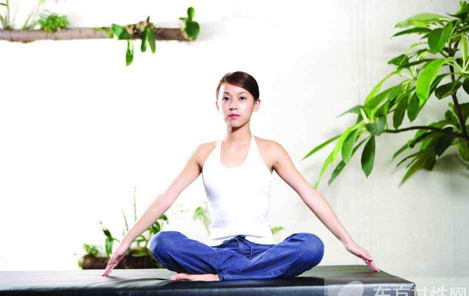 10分钟超有效燃脂瘦身瑜伽 还不快学