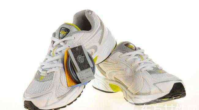 运动鞋怎么洗白 三大招教你如何清洗运动鞋