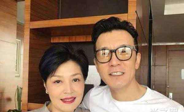 李咏是什么病 李咏得了什么病 曾在美国与癌症对抗长达十七个月