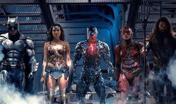 正义联盟预告片 正义联盟电影预告片里竟没有超人 导演回应要超人有何用