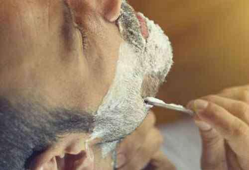 男孩子什么时候刮胡子 男生起床20分钟后再刮胡子 这两个时间别刮胡子
