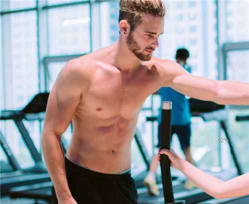 男人减肥肚子 盘点男人减掉大肚子方法 让男人从胖子逆袭为型男