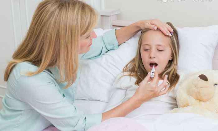 小孩出水痘的症状
