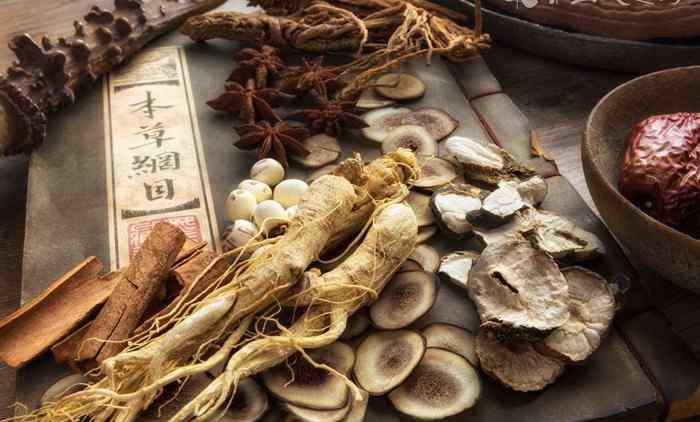 石楠叶的功效与作用_石楠叶的药用价值