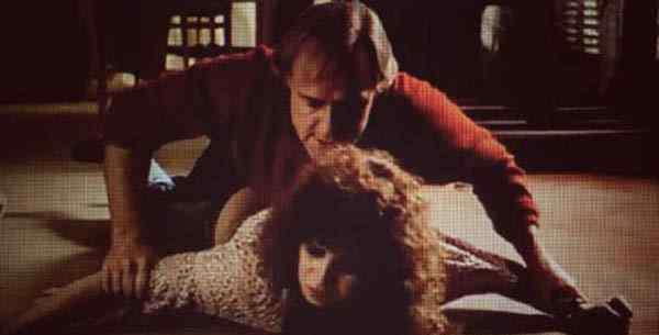 国外禁片 史上最性感高分大尺度电影 男主假戏真做女主吓哭了