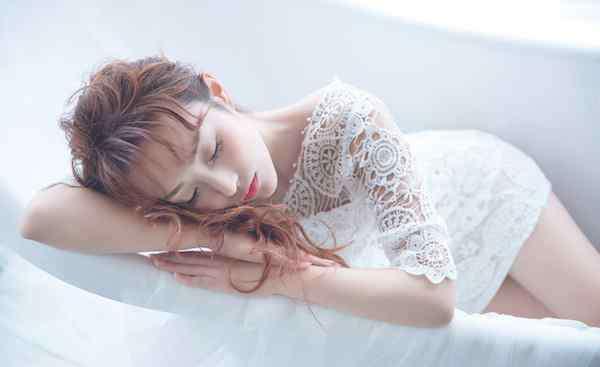 失眠多梦怎么治疗 失眠多梦怎么办 只需四招助你快速梦乡