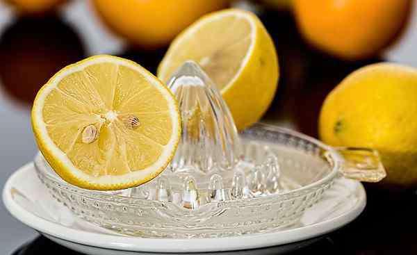 蜂蜜加白醋的比例 早上喝醋加蜂蜜水好吗 多少比例为最佳