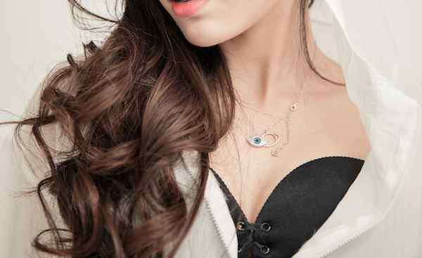 长方形脸适合的发型 方脸适合什么发型 这八款发型让你看起来面部更加柔和