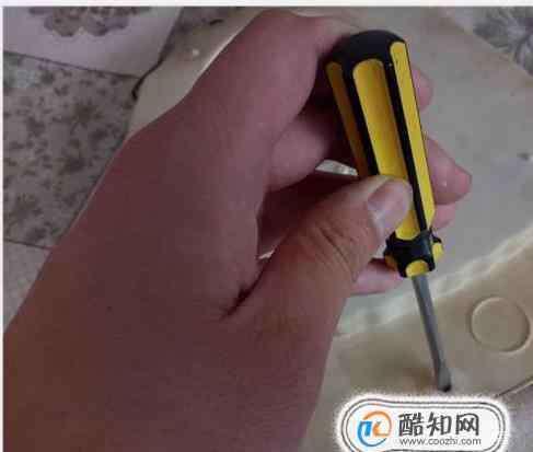 螺丝滑丝 拆机螺丝滑丝了怎么办
