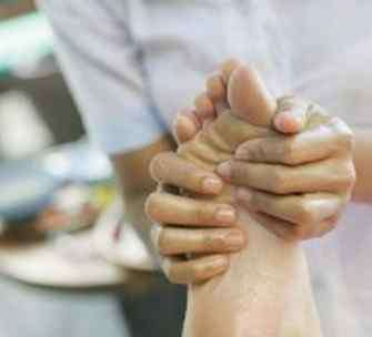 足部反射区图 人体足部反射区高清图及足部按摩方法