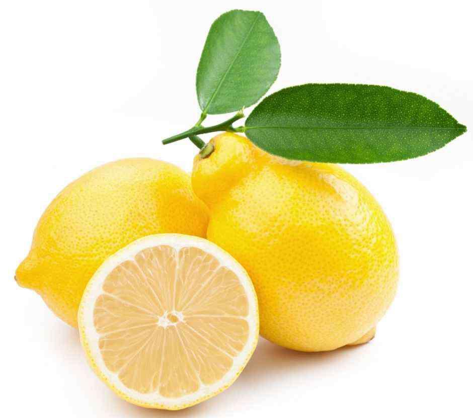 柠檬片泡水喝的功效 柠檬片泡水的功效和作用 这些副作用一定不能忽视