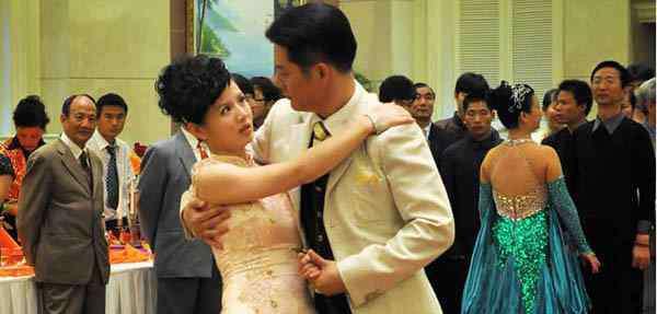 程愫 傅程鹏结婚照 程愫傅程鹏结婚照曝光 男方自曝两人结婚多年恩爱如初秘诀