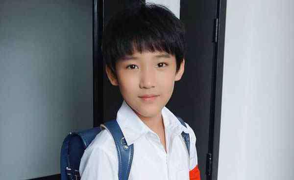 小浩博 解忧杂货店小浩博的扮演者是谁 年仅8岁合作了半个娱乐圈